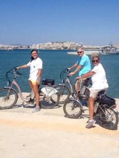 Athene langs de kust e-bike fietstour